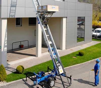 Noleggio scala montacarichi con operatore roma for Montacarichi da balcone per legna